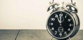 Alarm clock - photo: BrAt82 on Shutterstock.com