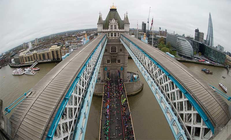Photo: Bob Martin for Virgin Money London Marathon. Copyright: London Marathon.