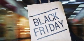 Black Friday shopping bag - Pressmaster on Shutterstock.com