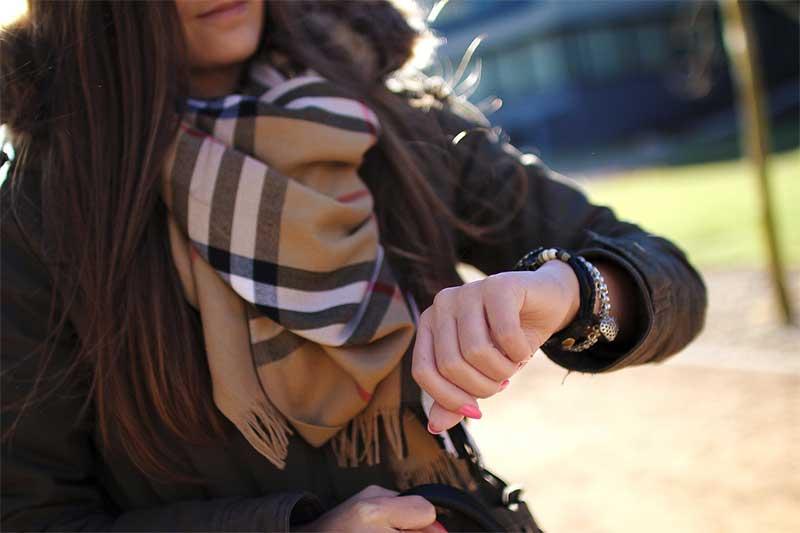 Burberry scarf - photo: Pixabay